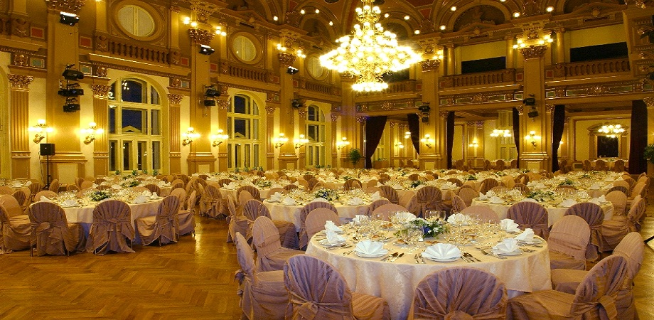 02._conference_in_prague_-_narodni_dum_na_vinohradech_-_gala_dinner_halls.jpg