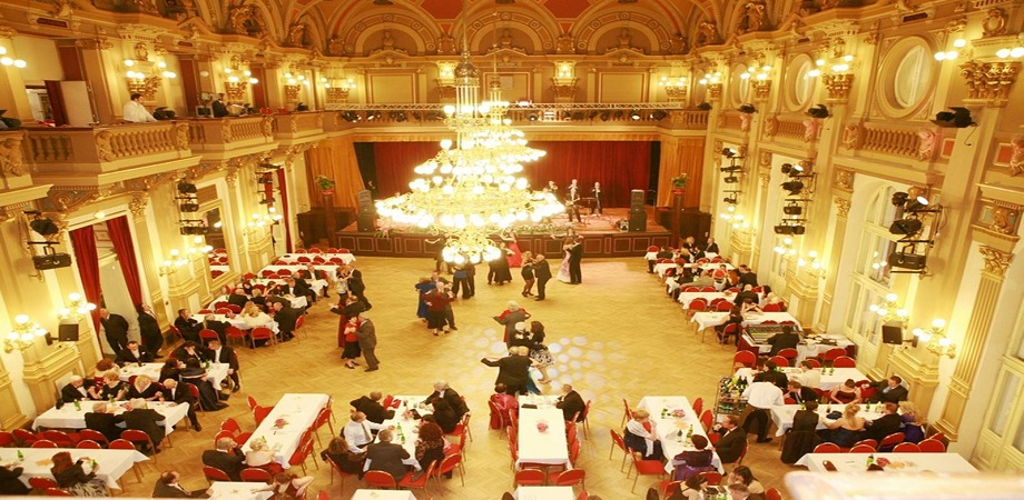 03._conference_in_prague_-_narodni_dum_na_vinohradech_-_gala_dinner_halls.jpg