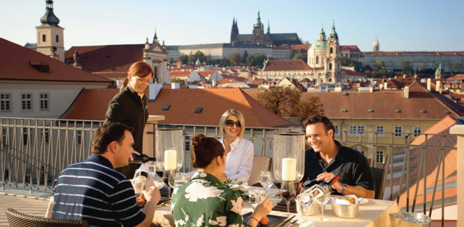 15._conference_in_prague_-_hotel_mandarin_5_stars_-_presidential_suite_terrace.jpg